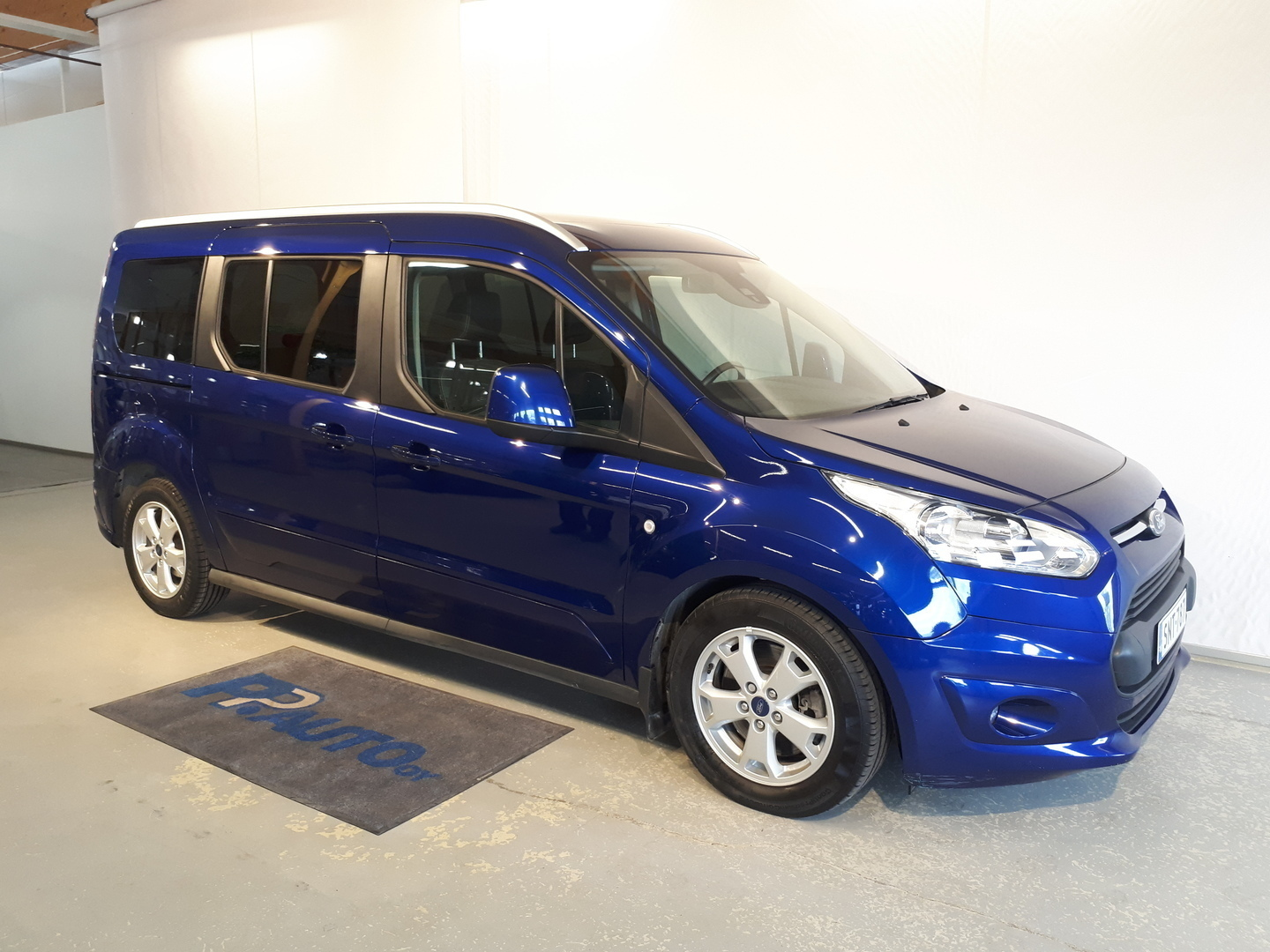 Ford Grand Tourneo Connect >> Vaihtoautot Ford Grand Tourneo Connect 1 5 Tdci 120 Hv