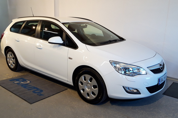 Opel Astra Sports Tourer Enjoy 1,4 Turbo ecoFLEX Start/Stop 88kW MT6, vm. 2012, 114 tkm
