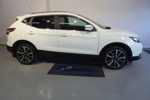 Nissan QASHQAI DIG-T 115 Tekna Xtronic Leather (MY14.3), vm. 2015, 58 tkm