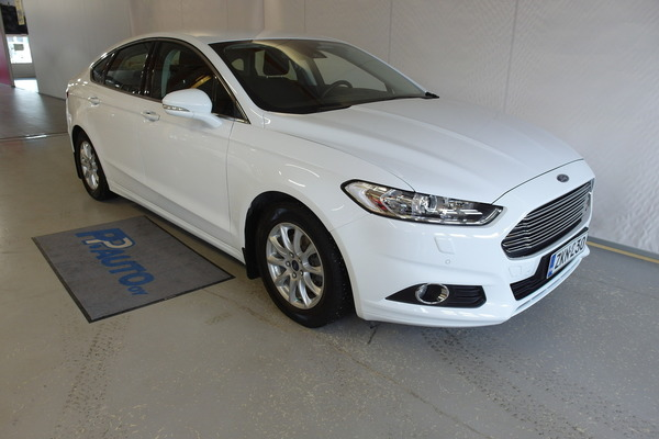 Ford Mondeo 1,5 EcoBoost 160hv M6 Trend 5D, vm. 2015, 52 tkm