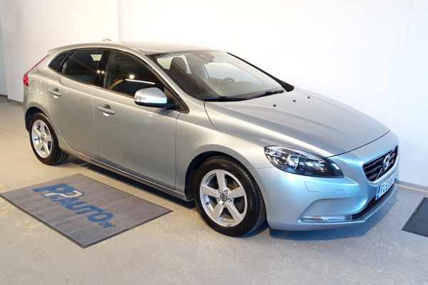 Volvo V40 D2 Kinetic, vm. 2013, 58 tkm