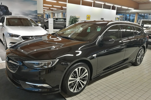 Opel INSIGNIA Sports Tourer Executive 200 Turbo A, vm. 2019, 0 tkm