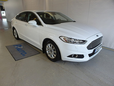 Ford Mondeo 1,5 EcoBoost 160hv M6 Trend 5D, vm. 2015, 52 tkm (1 / 8)