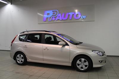 Hyundai I30 Wagon 1,6 CRDi 85kw A Premium * AUTOMAATTI * - Korko 2.99 % ja 3 kk lyhennysvapaata!, vm. 2010, 81 tkm (1 / 9)